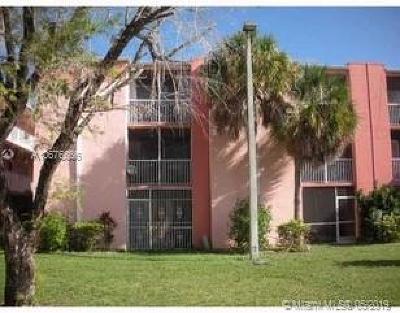 Miami-Dade County Condo For Sale: 19729 SW 114th Ave #350