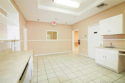 Hollywood Commercial For Sale: 6011 Rodman St #107
