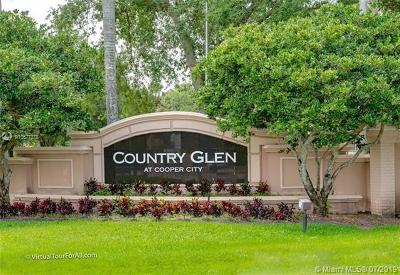 Cooper City Single Family Home For Sale: 12660 Countryside