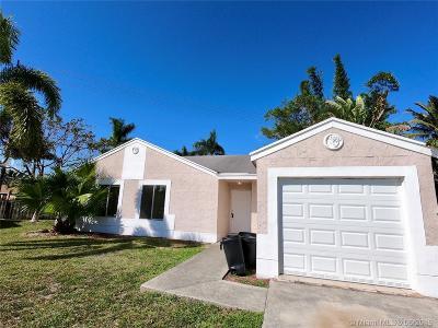 Boca Raton Single Family Home For Sale: 18766 Cloud Lake Cir