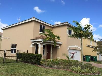 Miami Gardens Single Family Home For Sale: 1377 NW 204th St