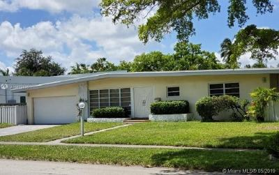 North Miami Beach Single Family Home For Sale: 2071 NE 191st Dr