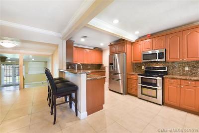 Miami FL Single Family Home For Sale: $575,000