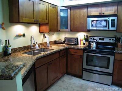 University Inn, University Inn Condo, University Inn Condominiu Condo For Sale: 1280 S Alhambra Cir #2112