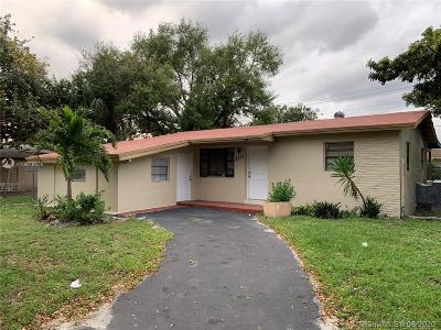 Miami Gardens Single Family Home For Sale: 4255 NW 183rd St