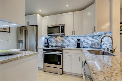 Hallandale Single Family Home For Sale: 700 NE 14th Ave #111