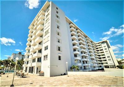 Miami Beach Condo For Sale: 465 Ocean Dr #603