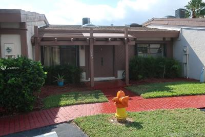 Hallandale Single Family Home For Sale: 347 Leslie Dr #347