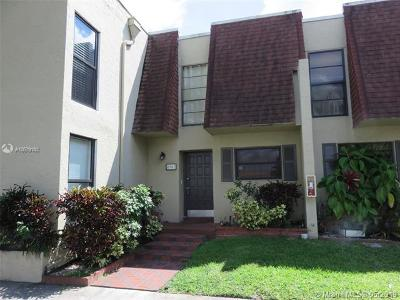 Pembroke Pines Condo For Sale: 8902 Palm Tree Ln #8902