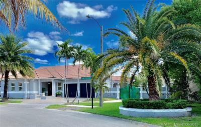 Miami Lakes Single Family Home For Sale: 9164 NW 146th Ter