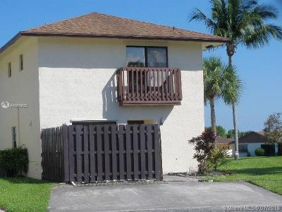 West Palm Beach Single Family Home For Sale: 5470 Garden Hills Cir