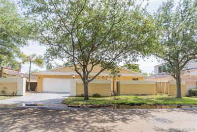Plantation Single Family Home For Sale: 7860 Canterbury Ln