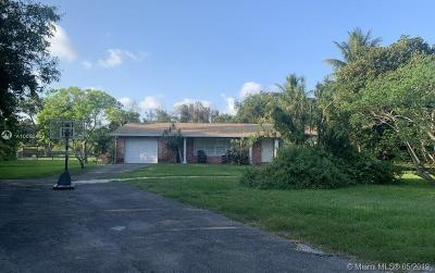 Davie Single Family Home For Sale: 4200 SW 95th Ave