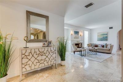 Miami Beach Single Family Home For Sale: 6925 Trouville Esplanade