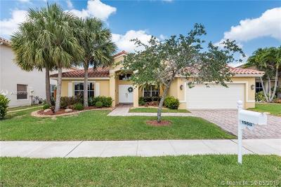 Pembroke Pines Single Family Home For Sale: 1568 SW 191st Ave