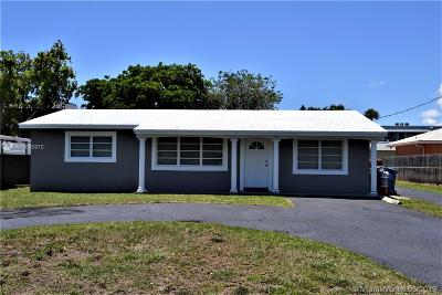 Oakland Park Single Family Home For Sale: 790 NW 33rd St