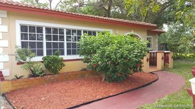Fort Lauderdale Single Family Home For Sale: 610 SE Campus Cir