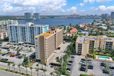 North Miami Beach Condo For Sale: 2903 N Miami Beach Blvd #601