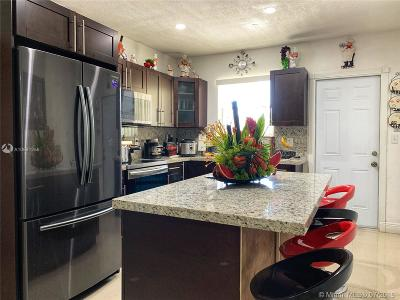 Miami Gardens Single Family Home For Sale: 1890 NW 152 Ter