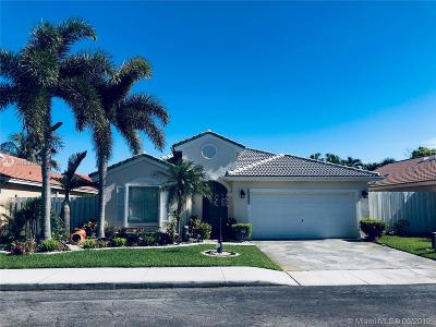 Pembroke Pines Single Family Home For Sale: 16582 NW 9th Ct