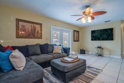 Miami Gardens Single Family Home For Sale: 19501 NW 37th Ct