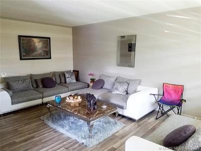 Deerfield Beach Condo For Sale: 197 Newport L #197