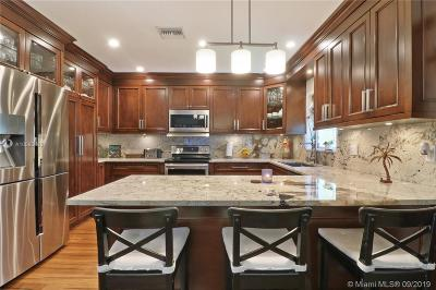 Miami Single Family Home For Sale: 8250 SW 32nd Ter