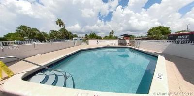 Deerfield Beach Condo For Sale: 1100 SE 4th Ave #19