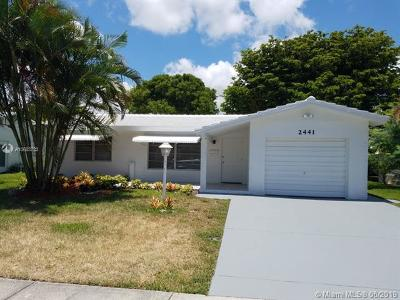 Pompano Beach Single Family Home For Sale: 2441 N Cypress Rd