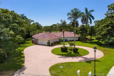 Atlantis Single Family Home For Sale: 400 Muirfield Dr