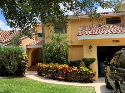 Boca Raton Condo For Sale: 6120 Caliente Ln