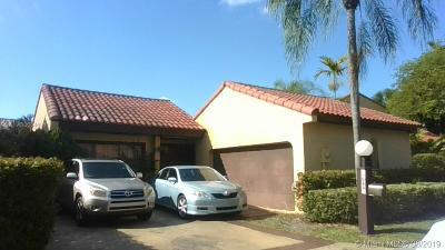 Miami Single Family Home For Sale: 1069 NE 203rd Ter