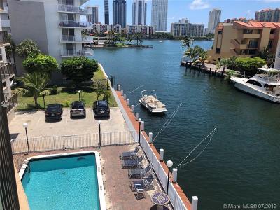 North Miami Beach Condo For Sale: 3948 NE 169th St #403