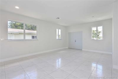 Hallandale Beach Single Family Home For Sale: 806 NW 5 Avenue