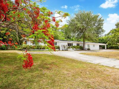 Pinecrest Single Family Home For Sale: 5850 SW 93rd St
