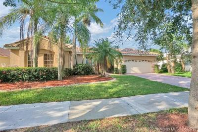 Weston Single Family Home For Sale: 508 Stonemont Ln