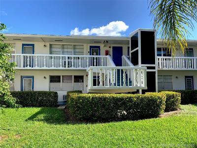 Deerfield Beach Condo For Sale: 7 Lyndhurst A #7