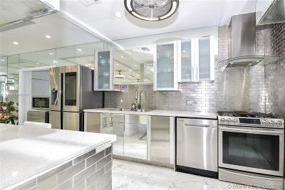 Miami Beach Single Family Home For Sale: 870 W 43rd Ct