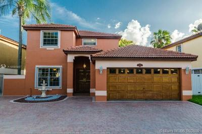 Hialeah Single Family Home For Sale: 20010 NW 83rd Ct