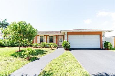Cutler Bay Single Family Home For Sale: 8020 SW 196th Ter