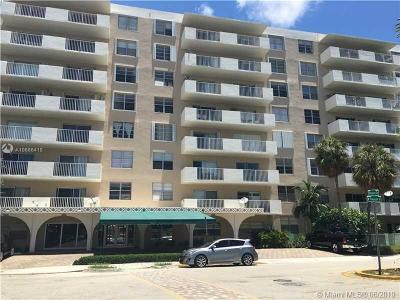 North Bay Village Condo For Sale: 1455 N Treasure Dr #5R