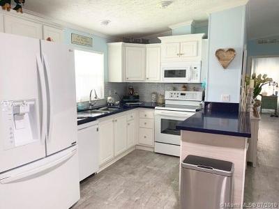 Davie FL Single Family Home For Sale: $69,000