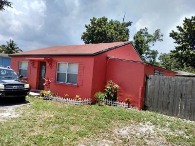 Miami Single Family Home For Sale: 541 NE 159th St