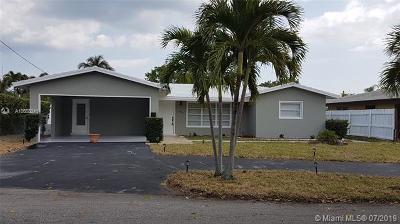 Oakland Park Single Family Home For Sale: 3340 NE 17th Way