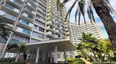 Miami Beach Condo For Sale: 1000 West Ave #632