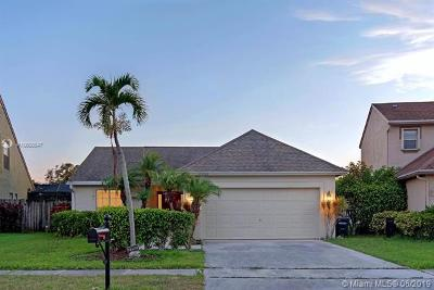 Boca Raton Single Family Home For Sale: 22552 Middletown Dr
