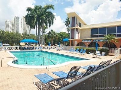 Hallandale Beach Condo For Sale: 26 Diplomat Pkwy #2320