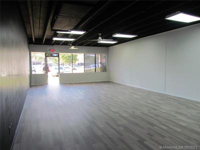 North Miami Beach Commercial For Sale: 17051 W Dixie Hwy