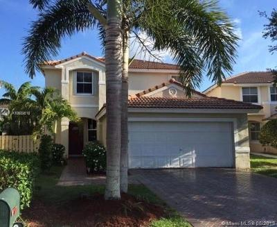 Davie Single Family Home For Sale: 15190 SW 49th Ct