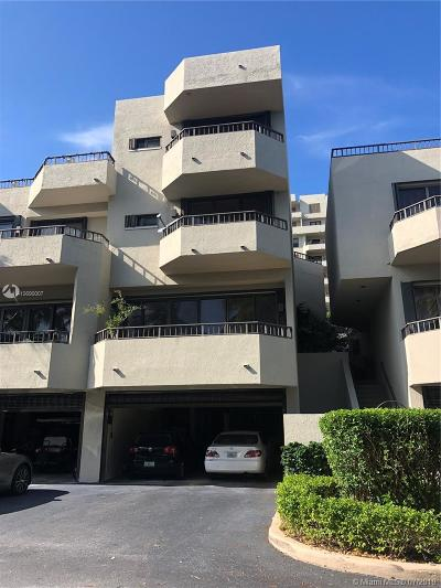Key Biscayne Condo For Sale: 201 Crandon Blvd #166